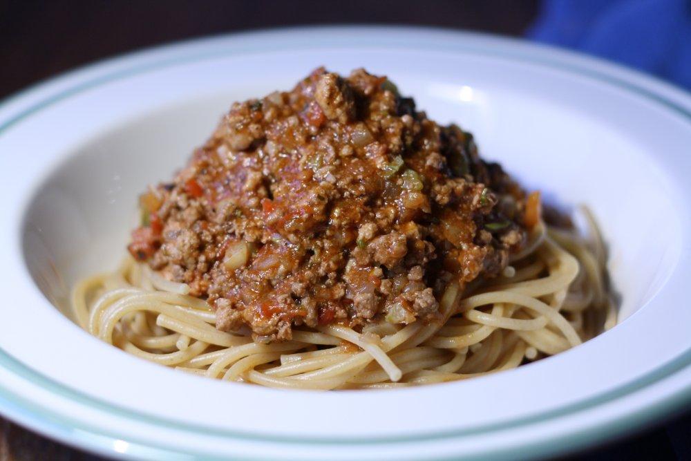 spaghetti bolognese opskrift italiensk